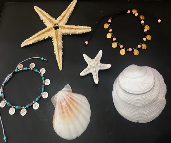 Μακραμέ βραχιόλι με φλουράκια από ορύχαλκο - Κοσμήματα Μαμόγλου ... 644f28c2be9